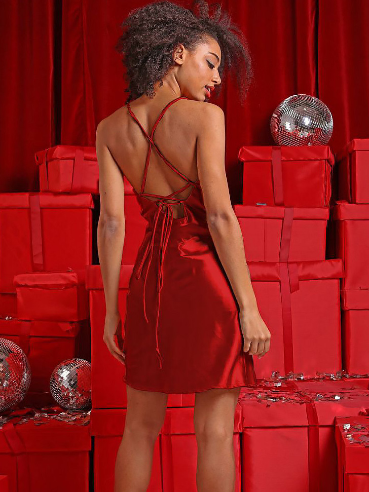 Sukienka koktajlowa czerwona z wiązaniem sznurkowym na plecach Love&Live (zdjęcie 2)