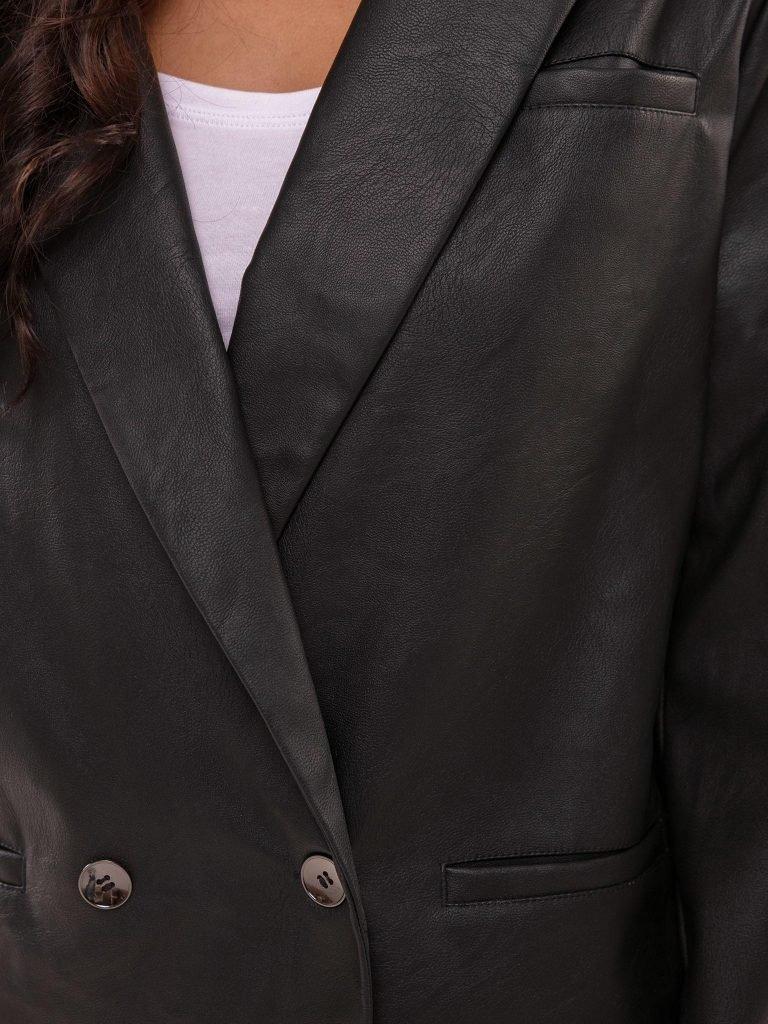 Czarna dwurzędowa marynarka z imitacji skóry Katarina Ivanenko (zdjęcie 7)