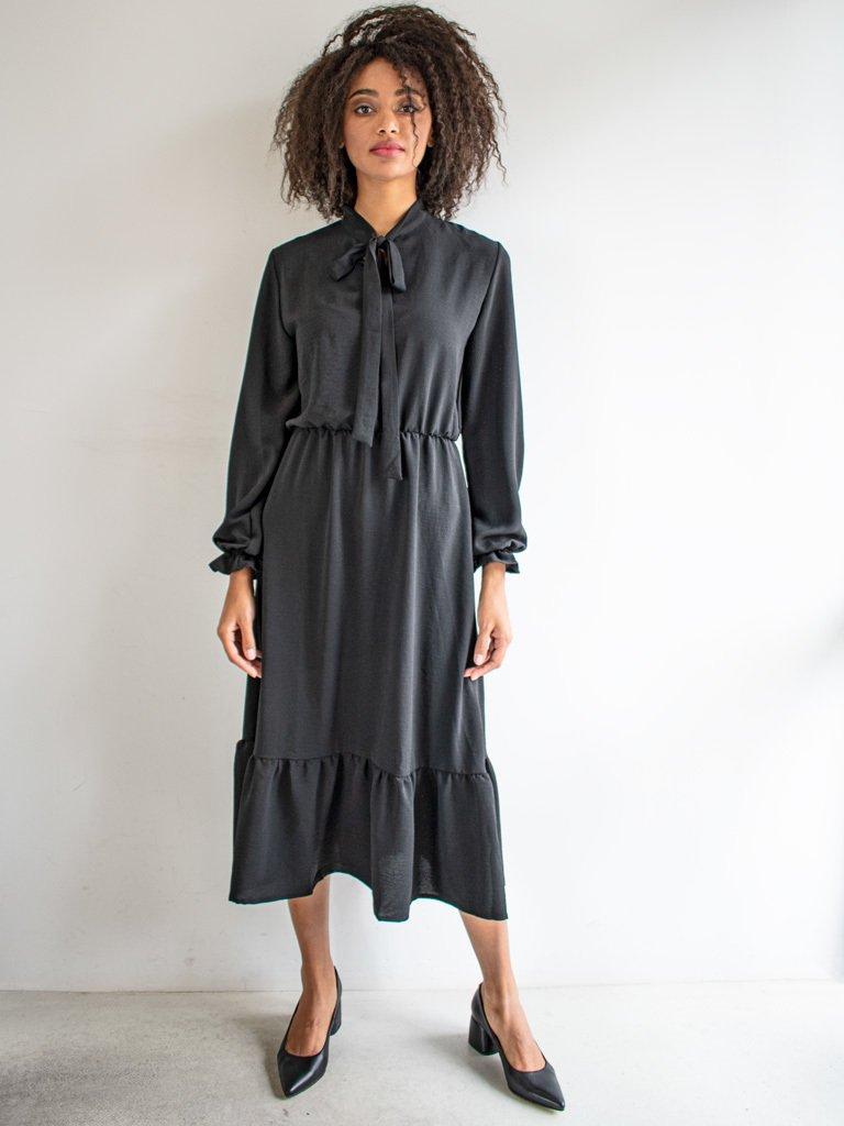 Sukienka długa z kokardą czarna Love&Live (zdjęcie 3)