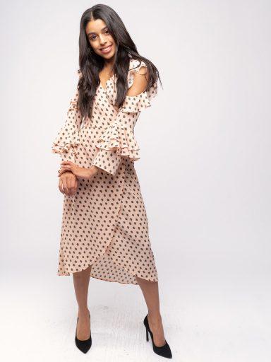Sukienka z kopertową zakładką i gołymi ramionami Katarina Ivanenko (zdjęcie 17)
