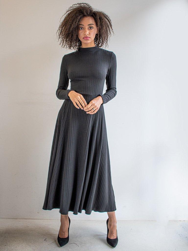 Sukienka z gołymi plecami i tasiemką czarna Katarina Ivanenko (zdjęcie 2)