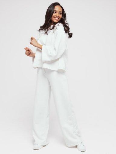 Zestaw z krótką bluzą i spodniami z szerokimi nogawkami w kolorze złamanej bieli Love&Live (zdjęcie 7)
