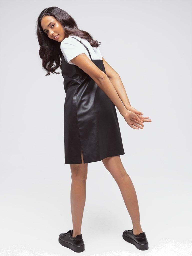 Czarna sukienka mini z imitacji skóry na ramiączkach Katarina Ivanenko (zdjęcie 3)