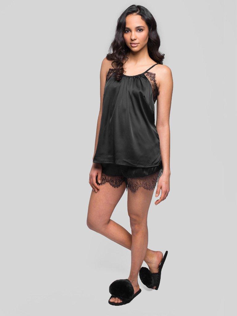 Czarna piżama satynowa z koronkowym wykończeniem Pure