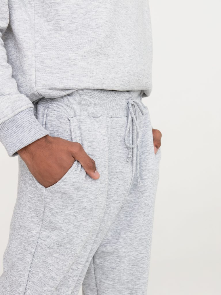 Szare spodnie dresowe Love&Live (zdjęcie 5)
