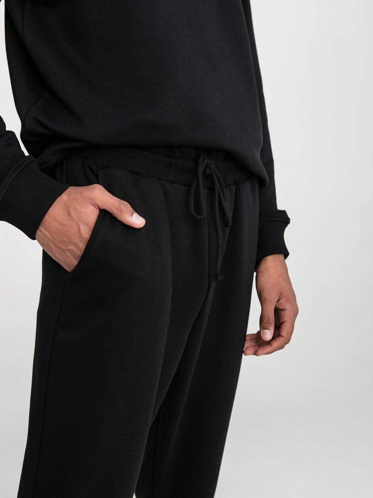 Czarne spodnie dresowe Love&Live (zdjęcie 8)