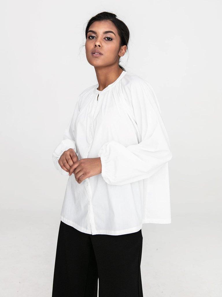 Bluzka oversize z popeliny w kolorze złamanej bieli Katarina Ivanenko