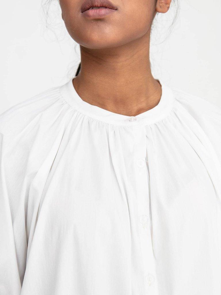 Bluzka oversize z popeliny w kolorze złamanej bieli Katarina Ivanenko (zdjęcie 4)