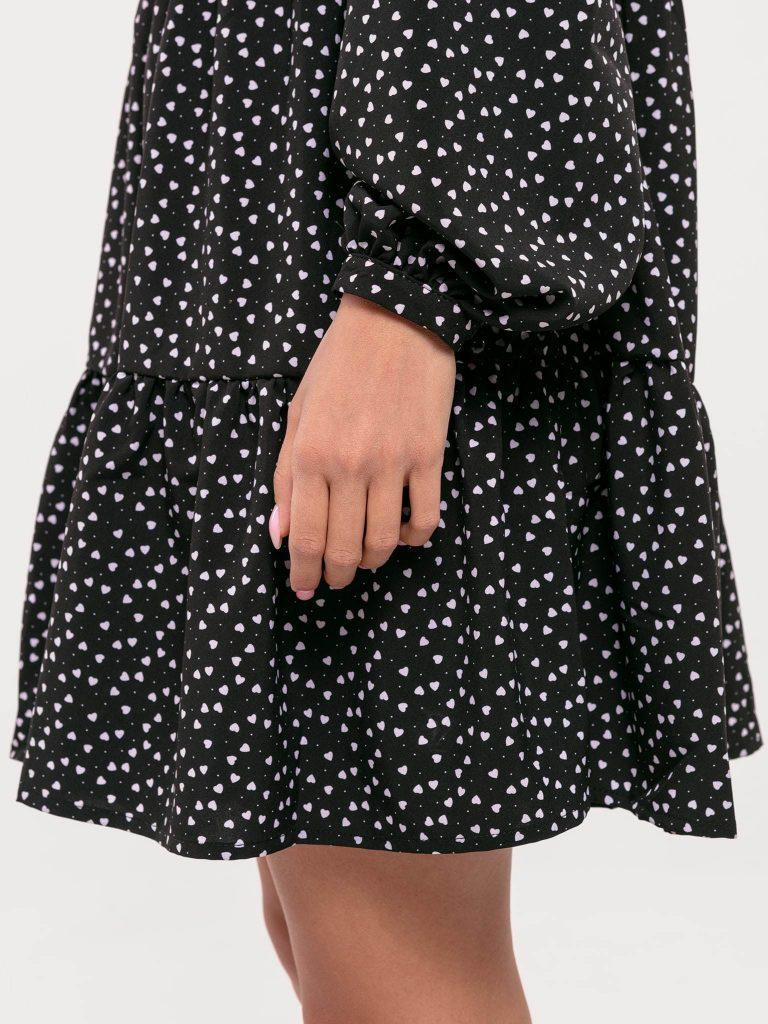 Czarna sukienka mini wykończona falbanką Love&Live (zdjęcie 5)
