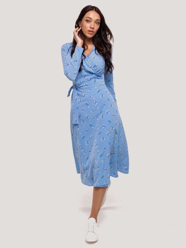 Kopertowa sukienka midi niebieska w drobne kwiaty Katarina Ivanenko (zdjęcie 4)