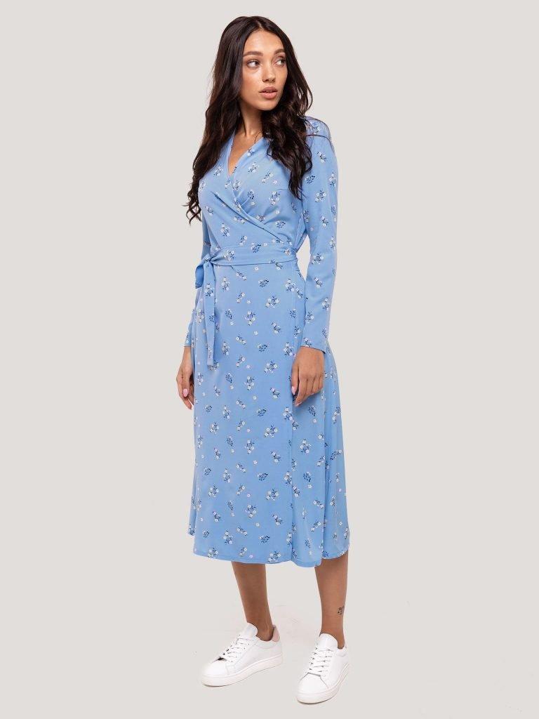 Kopertowa sukienka midi niebieska w drobne kwiaty Katarina Ivanenko (zdjęcie 6)