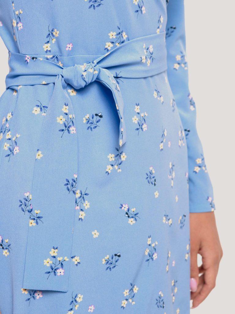 Kopertowa sukienka midi niebieska w drobne kwiaty Katarina Ivanenko (zdjęcie 8)