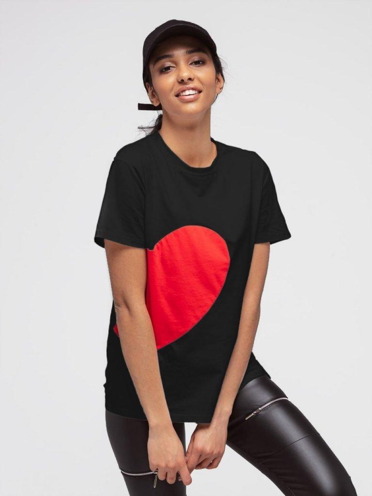 T-shirt czarny z sercem Love&Live