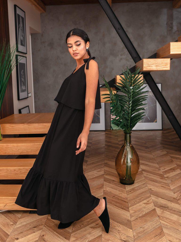 Sukienka maxi na ramiączkach w kolorze czerni Love&Live (zdjęcie 2)