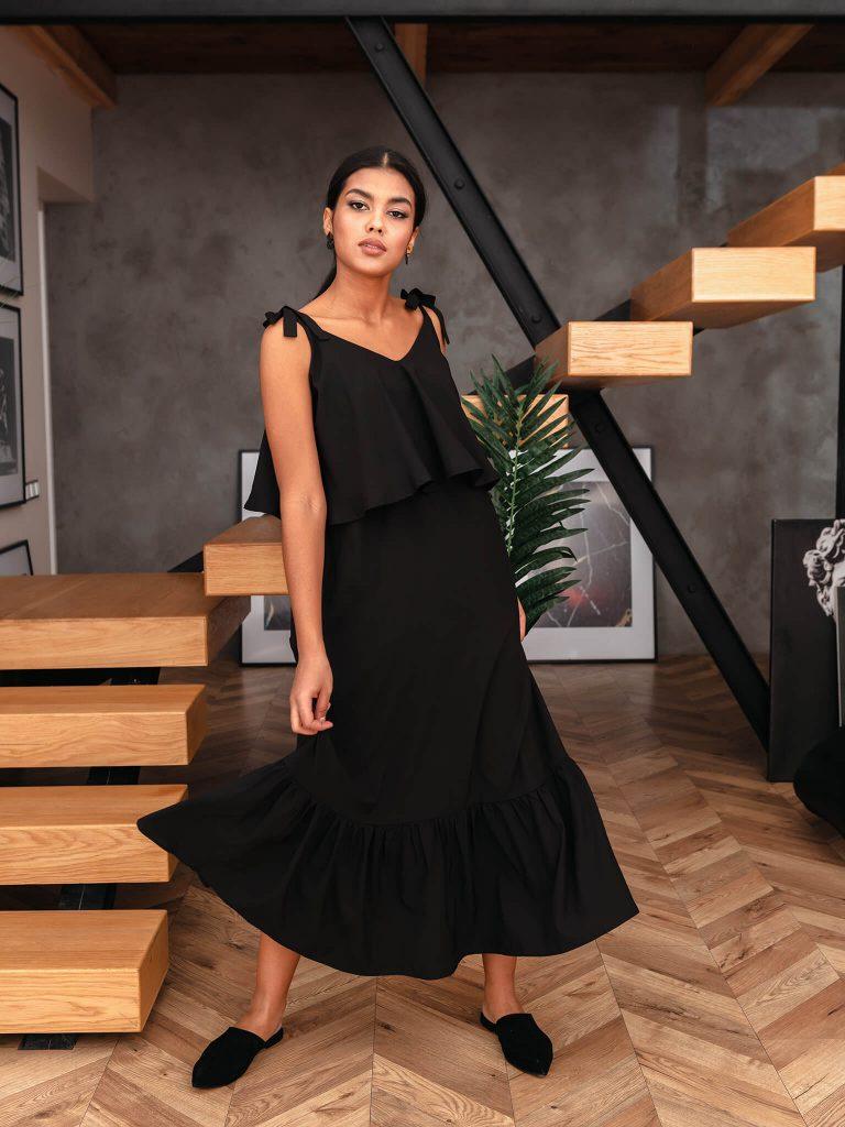 Sukienka maxi na ramiączkach w kolorze czerni Love&Live