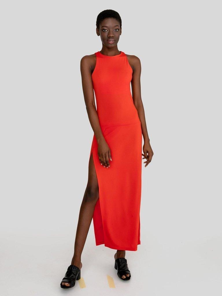 Dopasowana sukienka maxi w kolorze koralowym Katarina Ivanenko (zdjęcie 4)