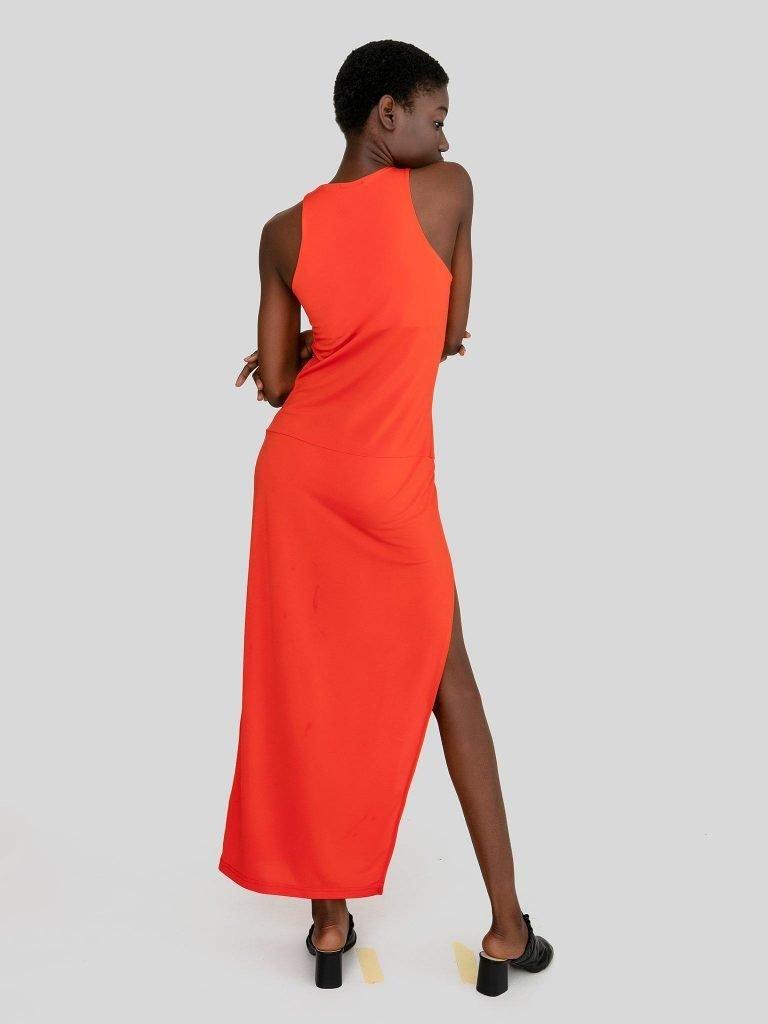 Dopasowana sukienka maxi w kolorze koralowym Katarina Ivanenko (zdjęcie 5)