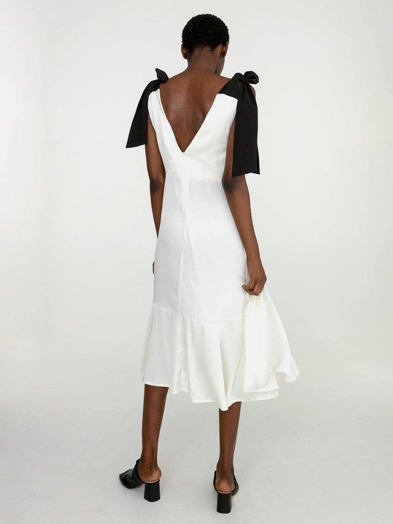 Sukienka midi z kontrastowym wiązaniem w kolorze białym Katarina Ivanenko (zdjęcie 3)