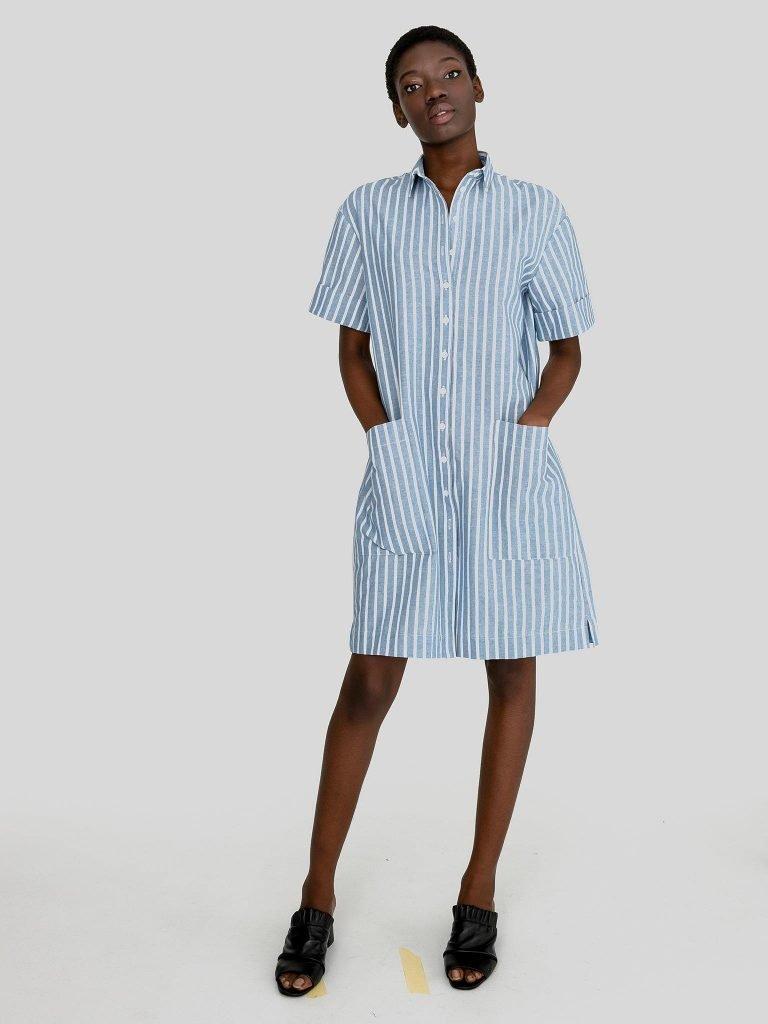 Lniana sukienka midi w stylu koszulowym biało niebieska w paski Love&Live (zdjęcie 2)