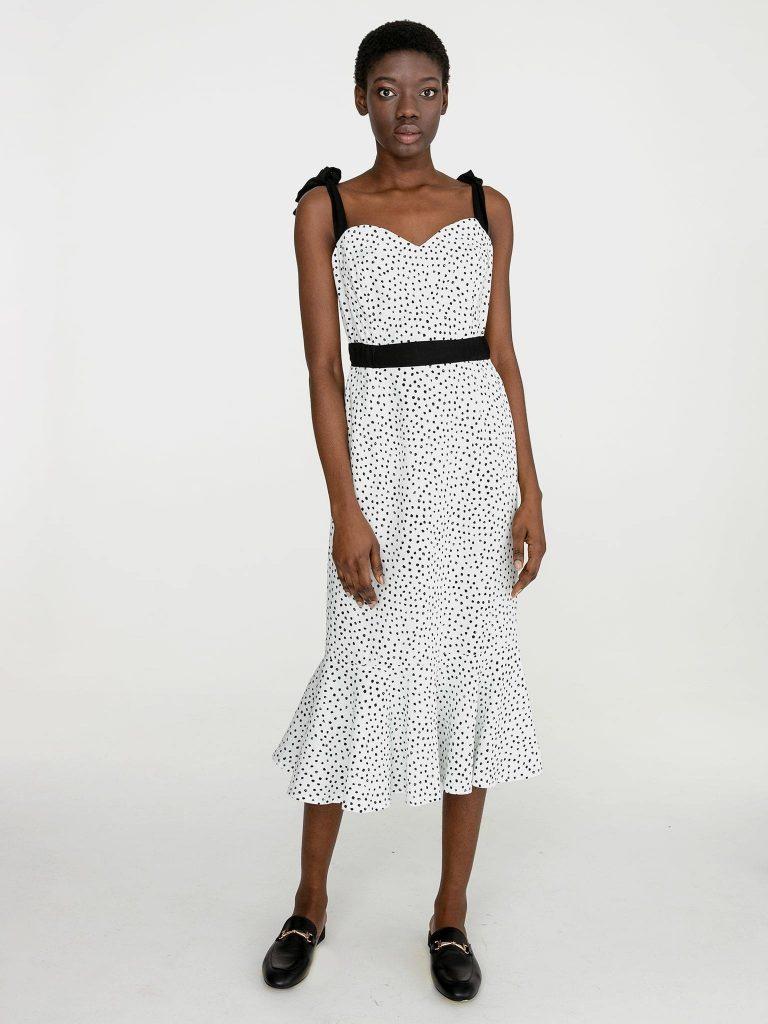 Lniana sukienka midi w grochy w kolorze białym Katarina Ivanenko