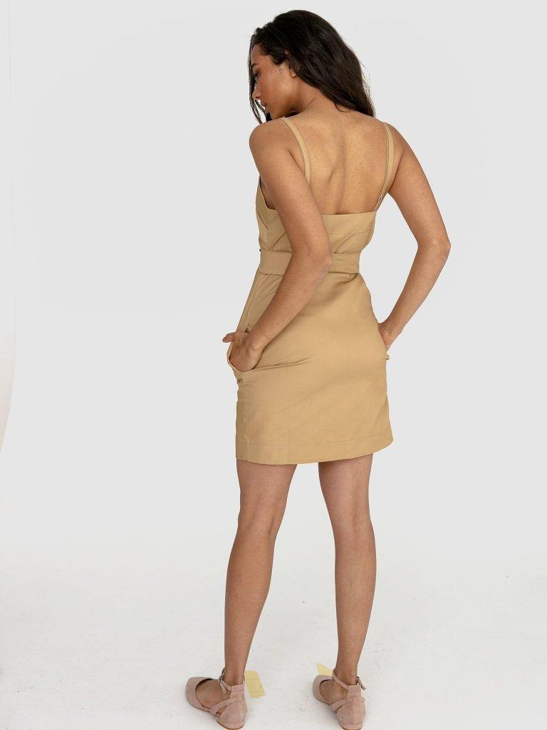 Sukienka mini na ramiączkach w kolorze ciepłego beżu Love&Live (zdjęcie 3)