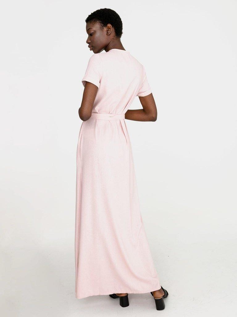 Sukienka kopertowa maxi w kolorze pudrowy róż Katarina Ivanenko (zdjęcie 4)