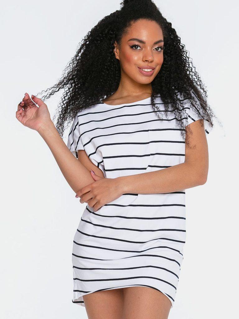 Sukienka mini w stylu t-shirtu białoczarna w paski Love&Live (zdjęcie 3)