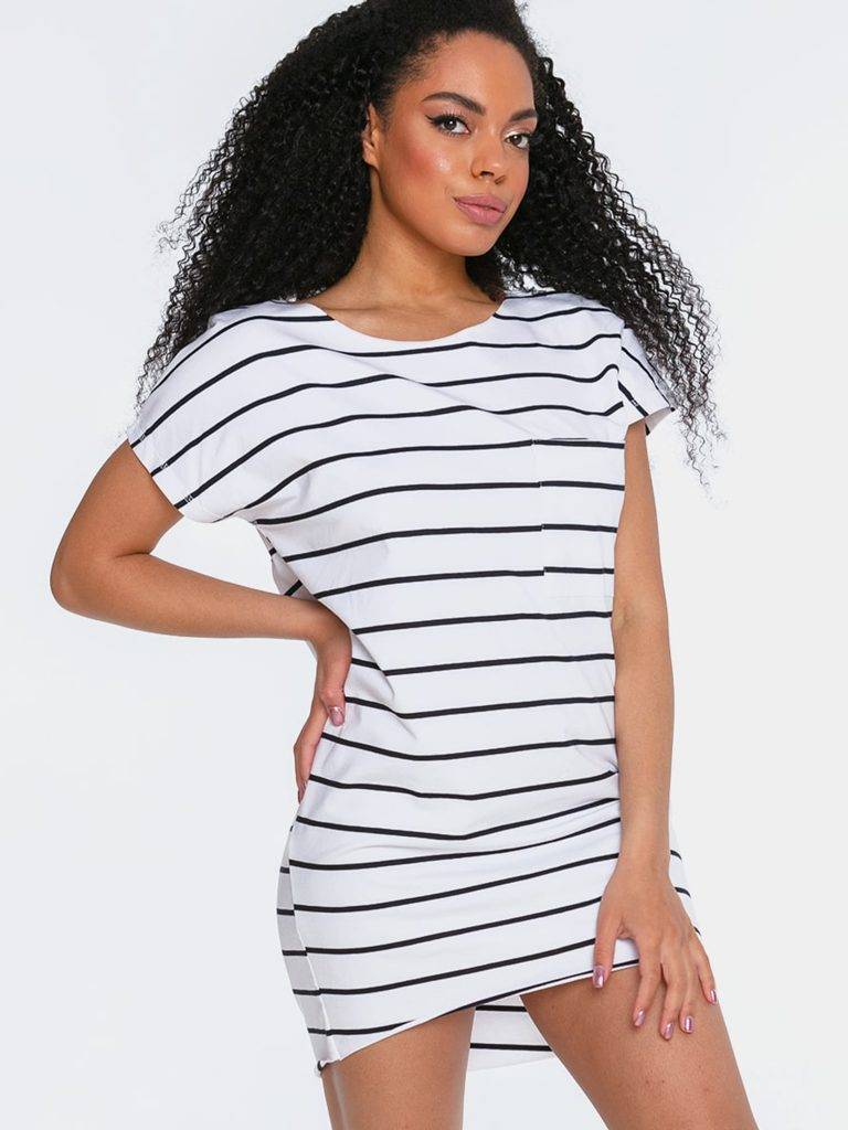 Sukienka mini w stylu t-shirtu białoczarna w paski Love&Live