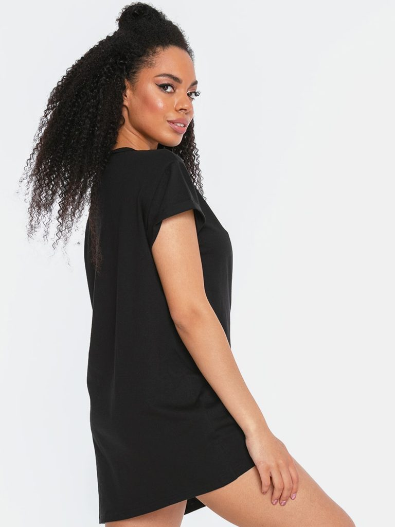 T-shirt w stylu oversize czarny z asymetrycznym dołem Katarina Ivanenko (zdjęcie 2)