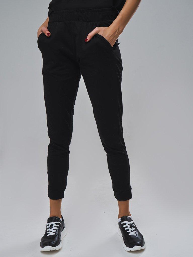 Spodnie dresowe skinny na gumce w kolorze czarnym Love&Live