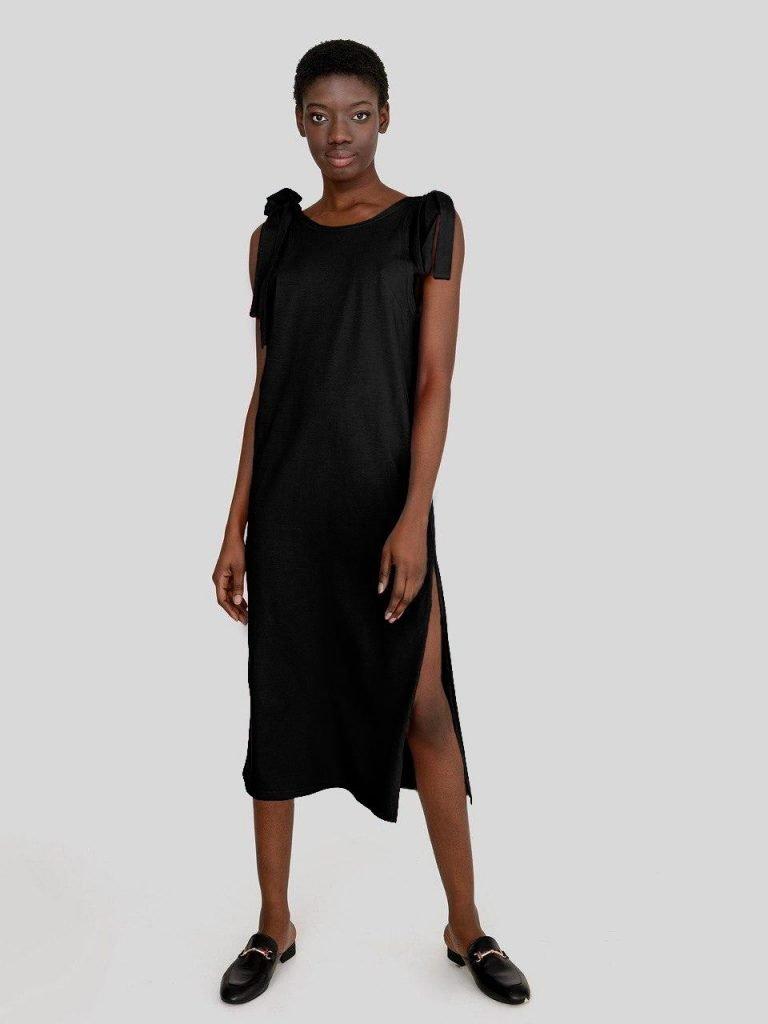 Sukienka koszulkowa maxi w kolorze czerni Love&Live