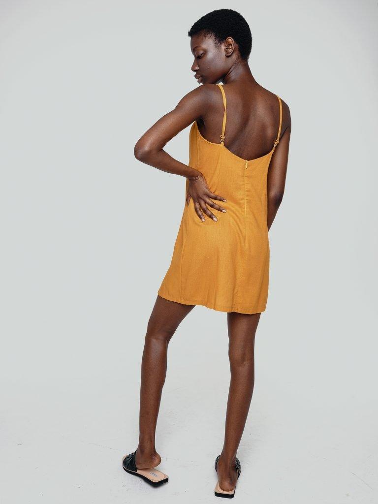 Sukienka bieliźniana mini w kolorze musztardowym Love&Live (zdjęcie 2)