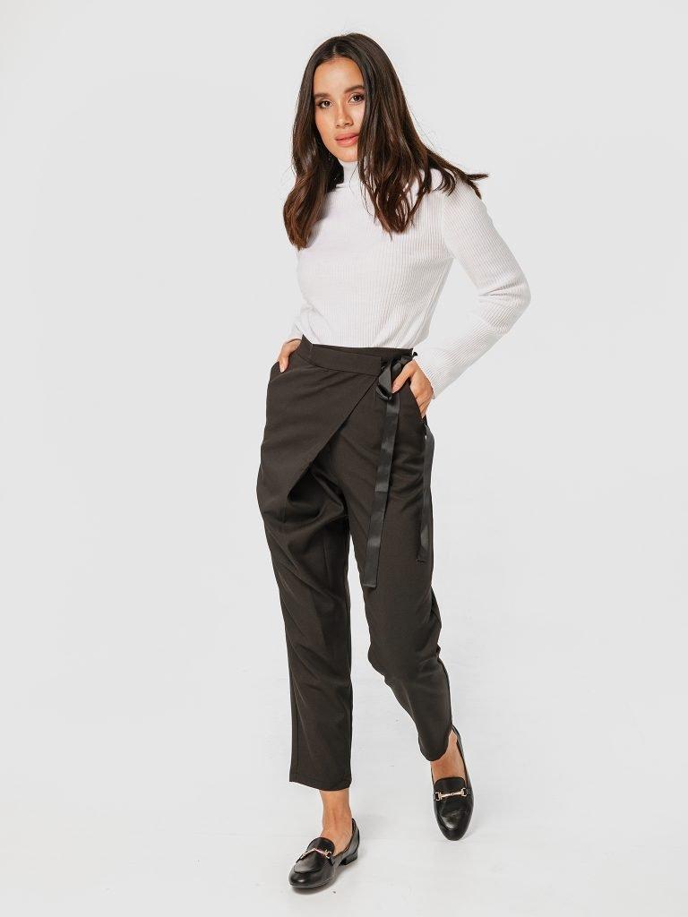 Czarne spodnie z zapachem Katarina Ivanenko