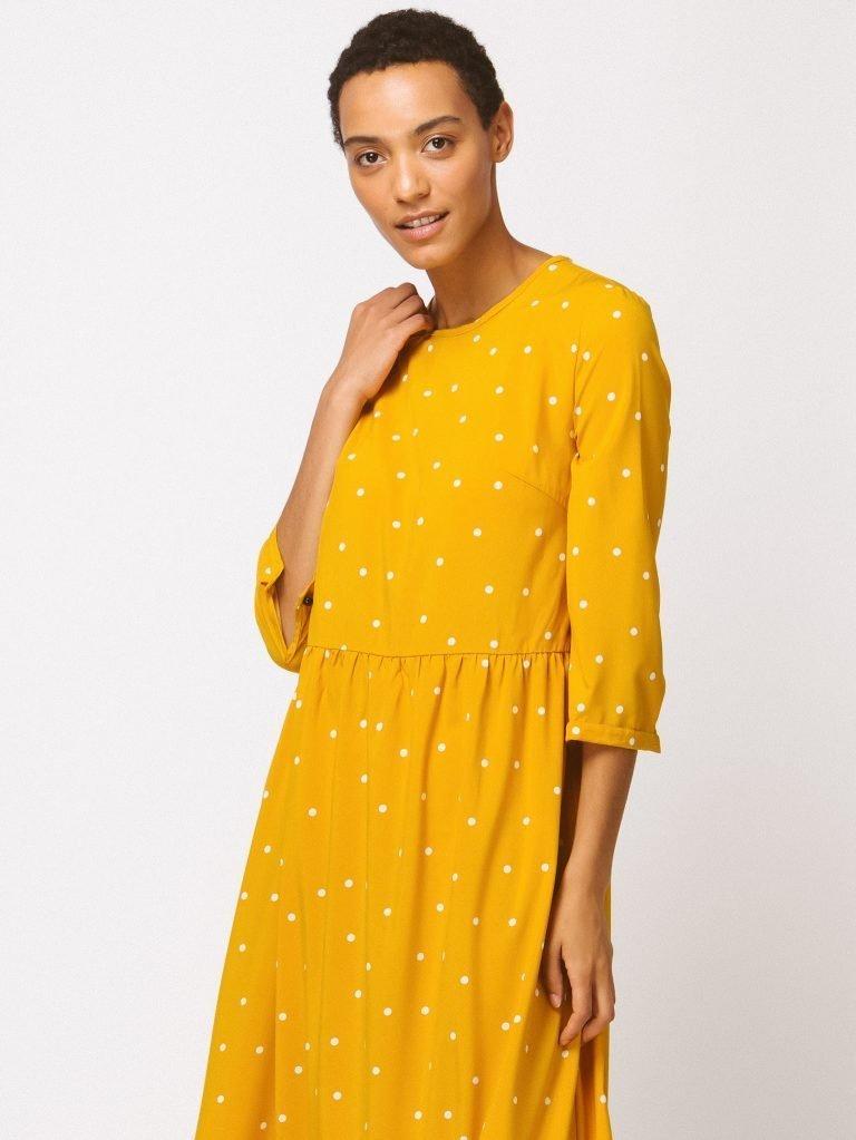 Żółta sukienka maxi luźna w kroju w grochy Love&Live