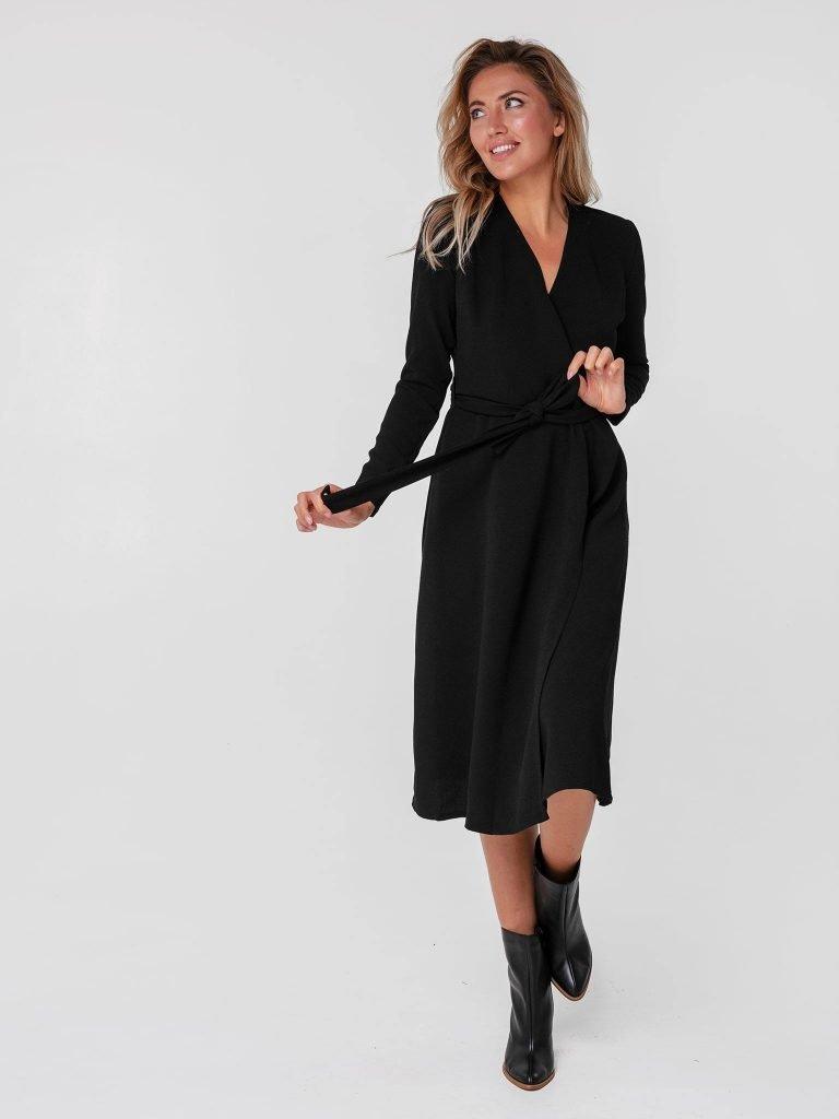 Czarna sukienka midi kopertowa z paskiem Katarina Ivanenko (zdjęcie 4)