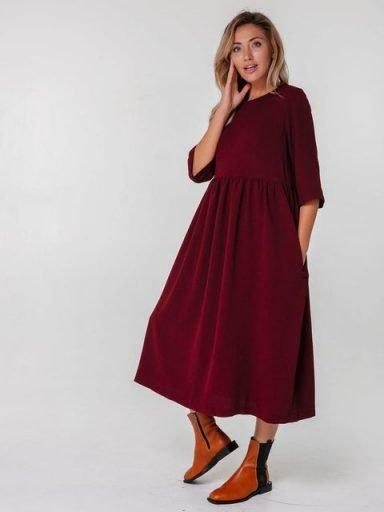 Bordowa sukienka maxi luźna w kroju Katarina Ivanenko