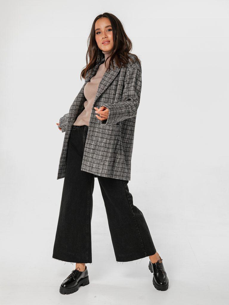 Szary płaszcz oversize w kratę Katarina Ivanenko (zdjęcie 2)