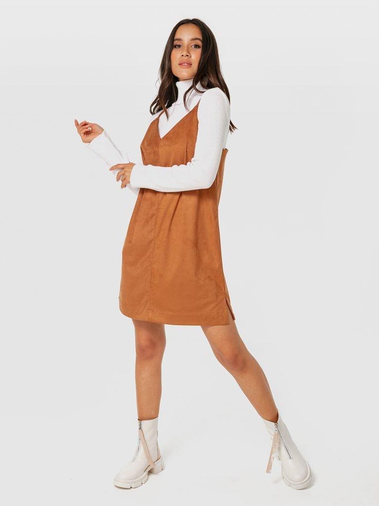 Brązowa sukienka mini z ekologicznego zamszu na ramiączkach Love&Live (zdjęcie 3)