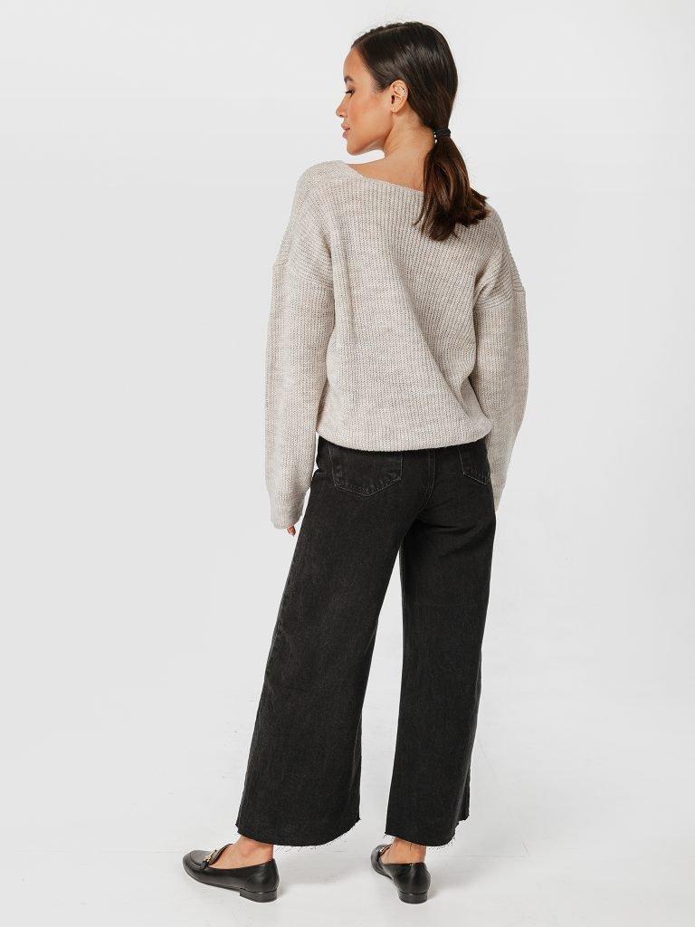 Beżowy sweter z odkrytymi ramionami Katarina Ivanenko (zdjęcie 4)
