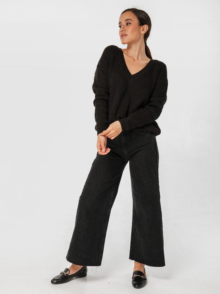 Sweter czarny w klasycznym stylu Katarina Ivanenko (zdjęcie 2)