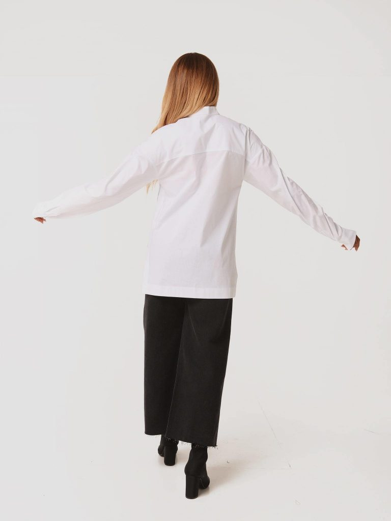 Biała koszula oversize z rozcięciami po bokach Love&Live (zdjęcie 4)