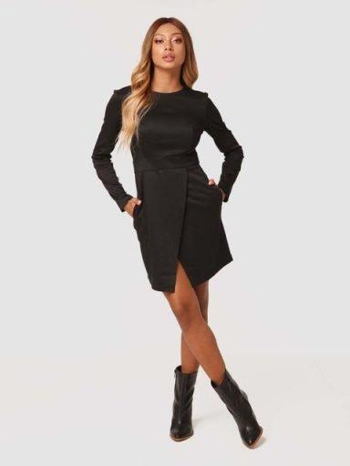 Sukienka mini w kolorze czarnym z imitacją kopertowej spódnicy Katarina Ivanenko