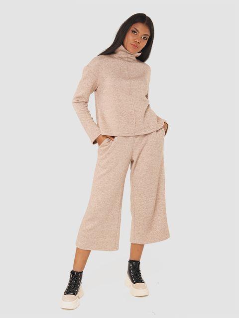 Beżowy zestaw z angory (sweter, spodnie) Katarina Ivanenko