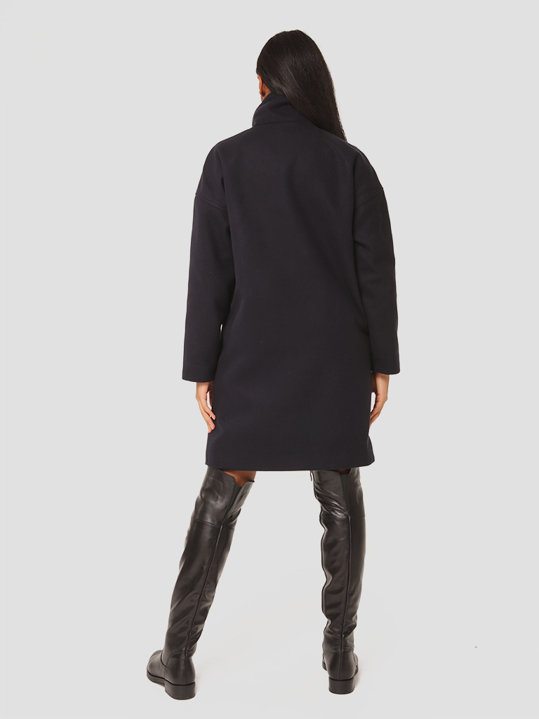 Czarny płaszcz oversize Love&Live