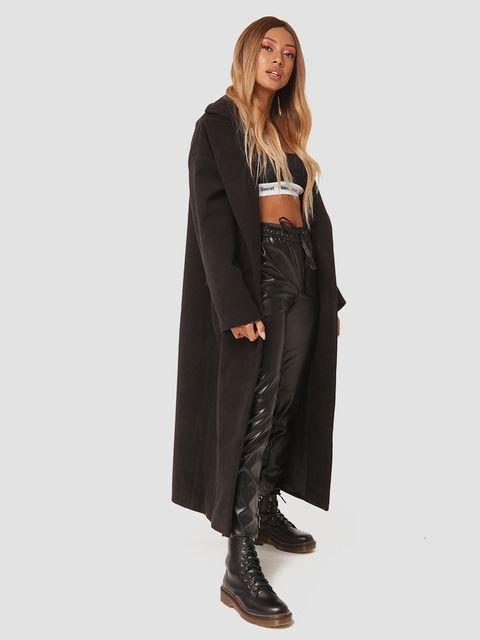 Czarny płaszcz z paskiem Katarina Ivanenko