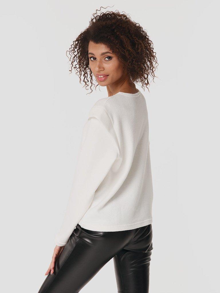 Sweter w kolorze mlecznym Love&Live (zdjęcie 3)