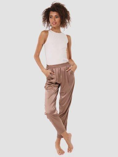Domowe jedwabne spodnie w kolorze czekoladowym Love&Live