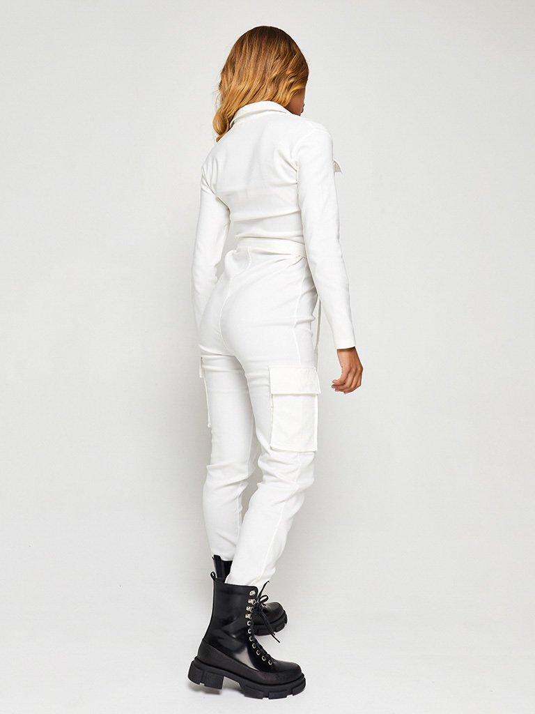 Kombinezon w kolorze mlecznym z kieszeniami na piersi i spodniach Katarina Ivanenko
