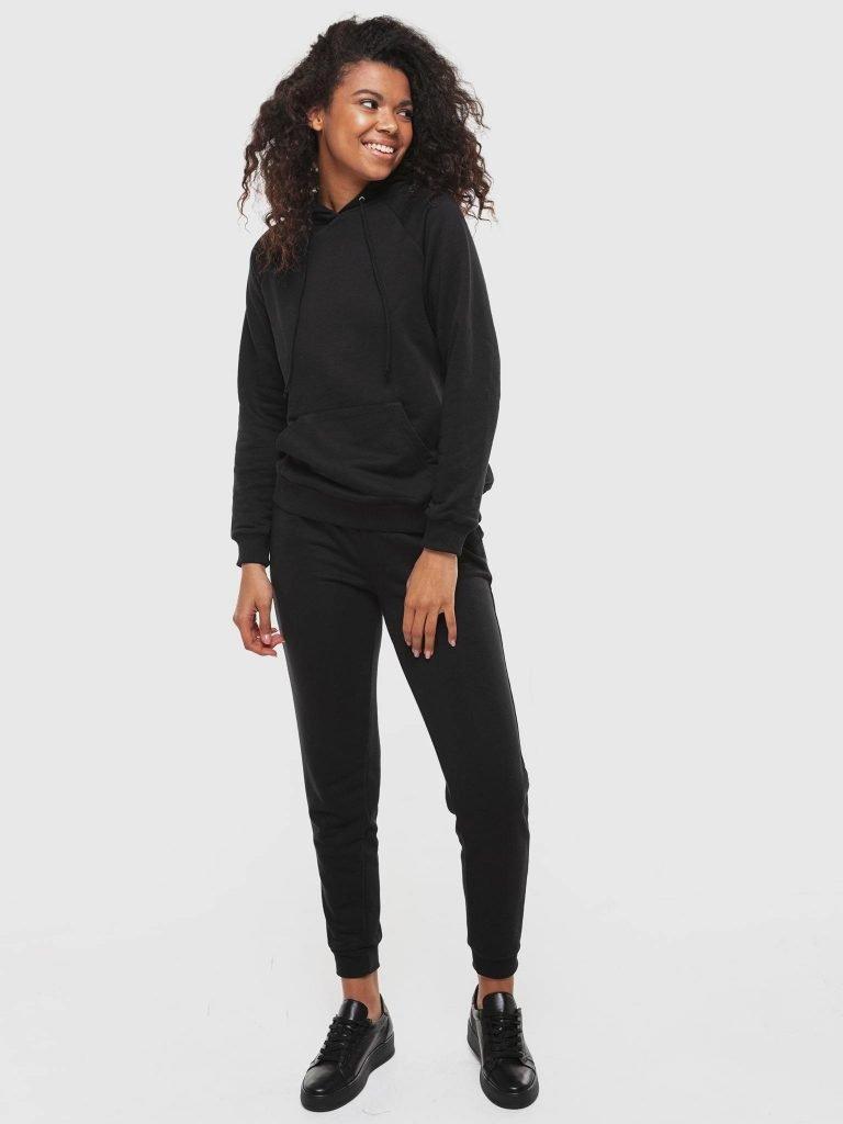 Zestaw dresowy w kolorze czarnym (bluza, spodnie skinny) Love&Live