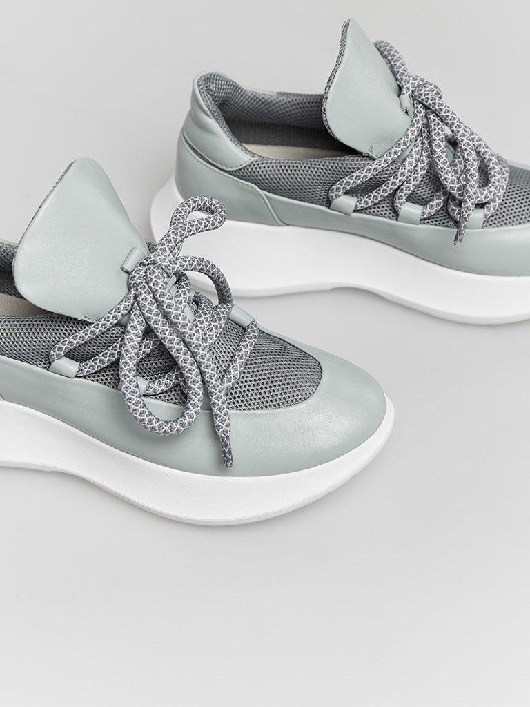 Skórzane buty sportowe błękitne z dekoracją tekstylną Love&Live (zdjęcie 3)